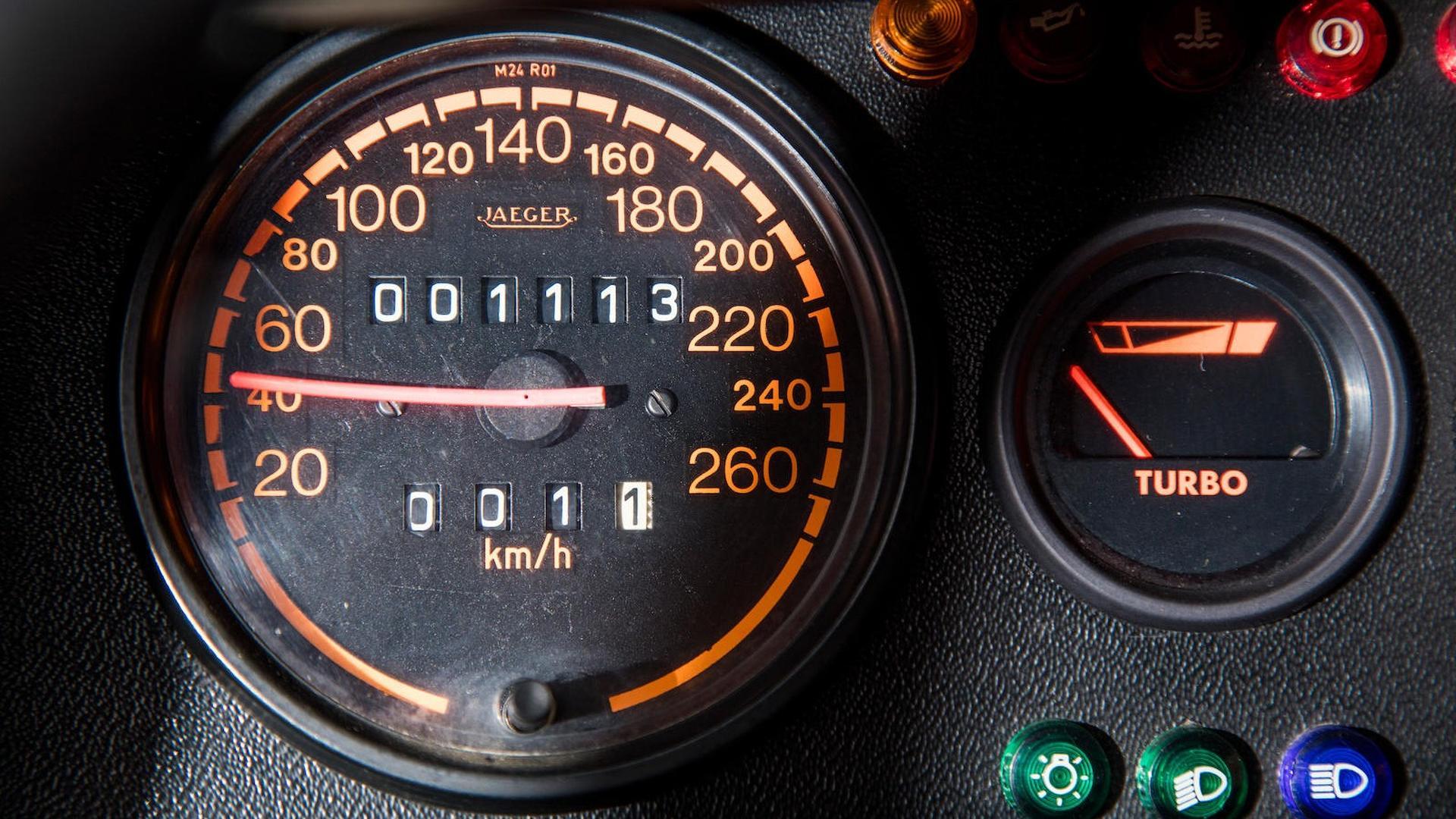 1985_Peugeot_205_Turbo_16_42