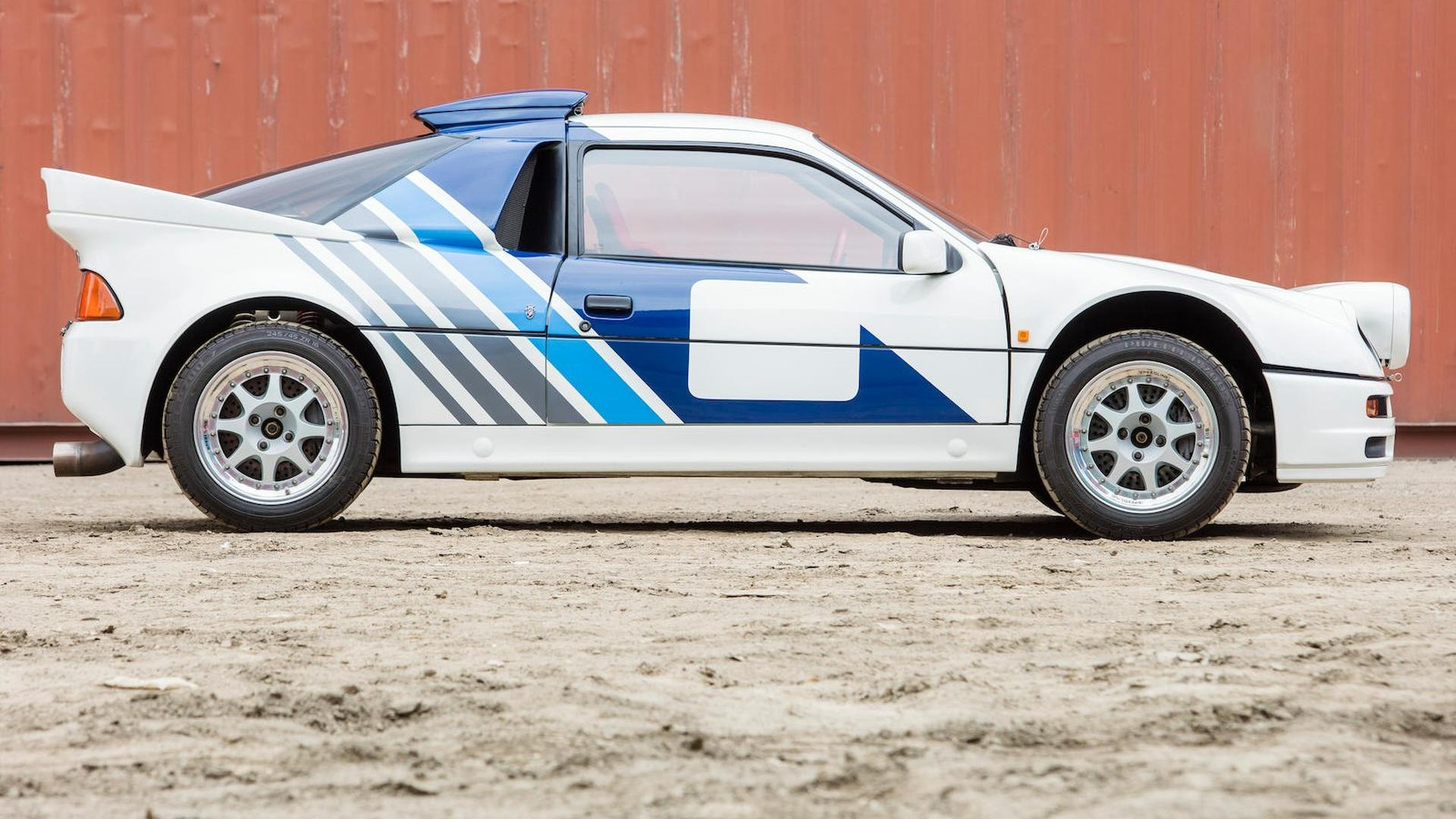 1986_Ford_RS200_Evolution_09