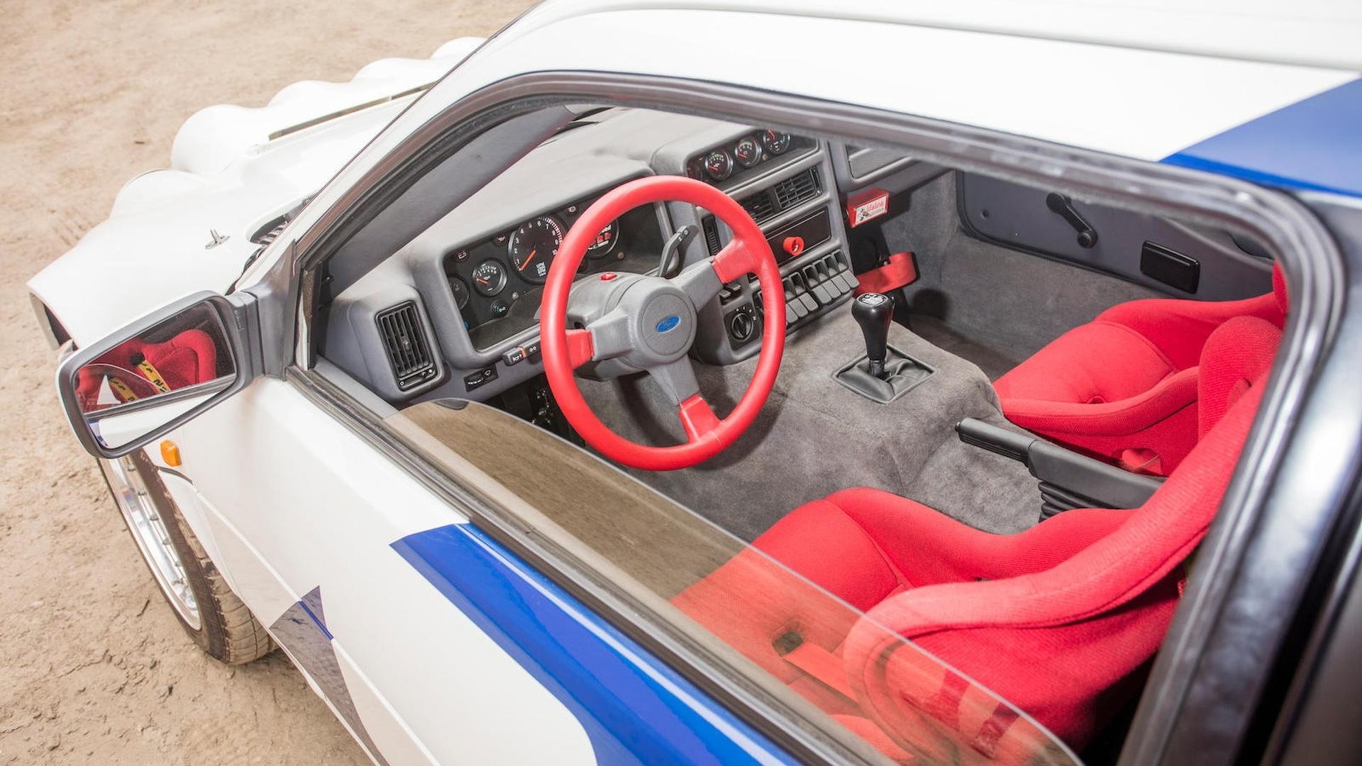 1986_Ford_RS200_Evolution_34