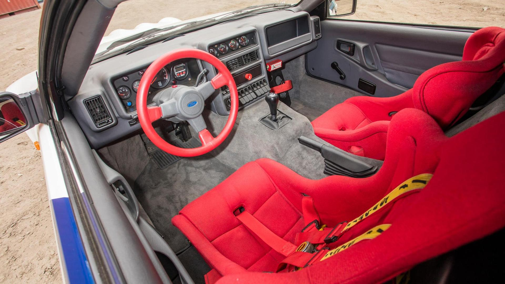 1986_Ford_RS200_Evolution_36