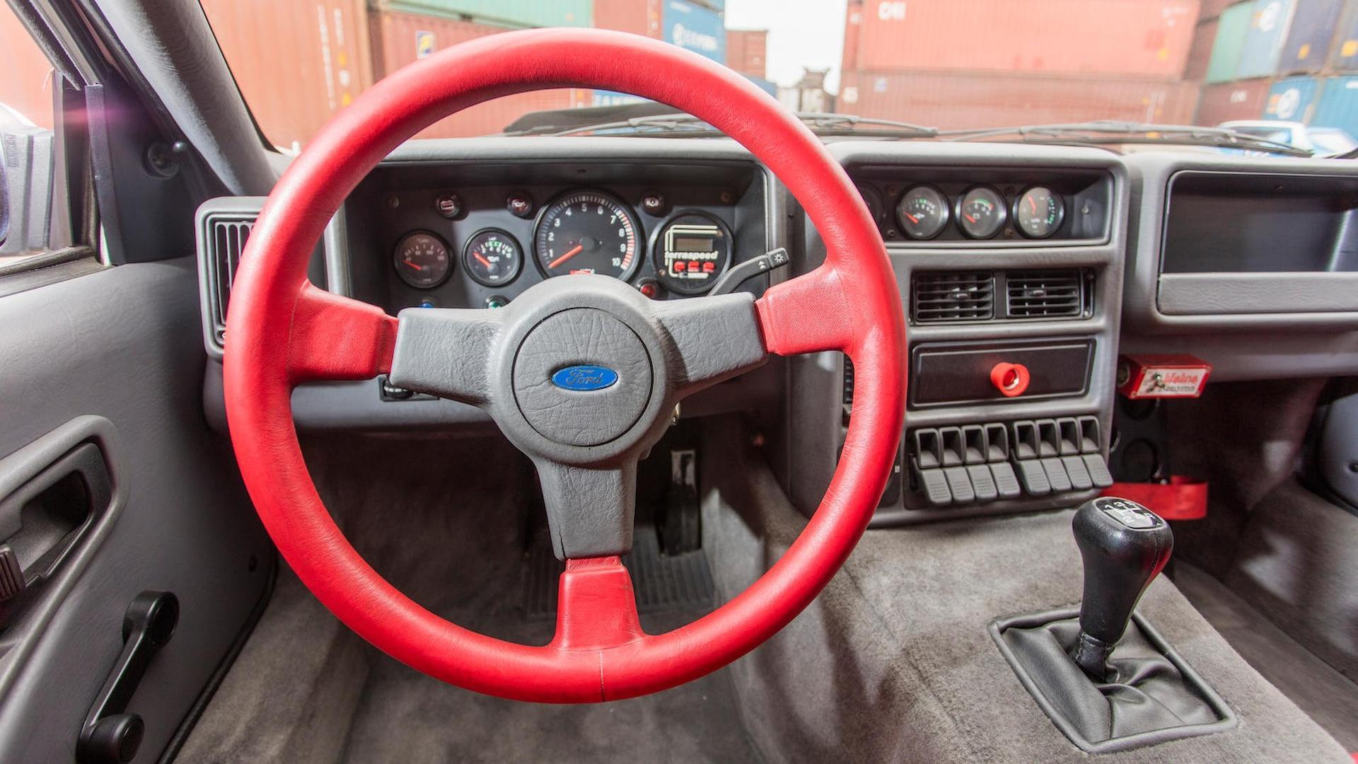 1986_Ford_RS200_Evolution_39