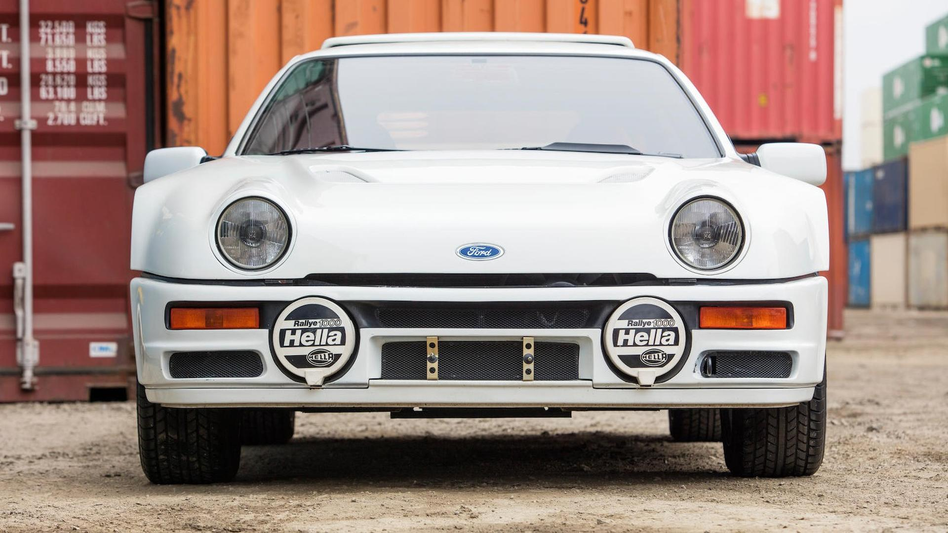 1986_Ford_RS200_03