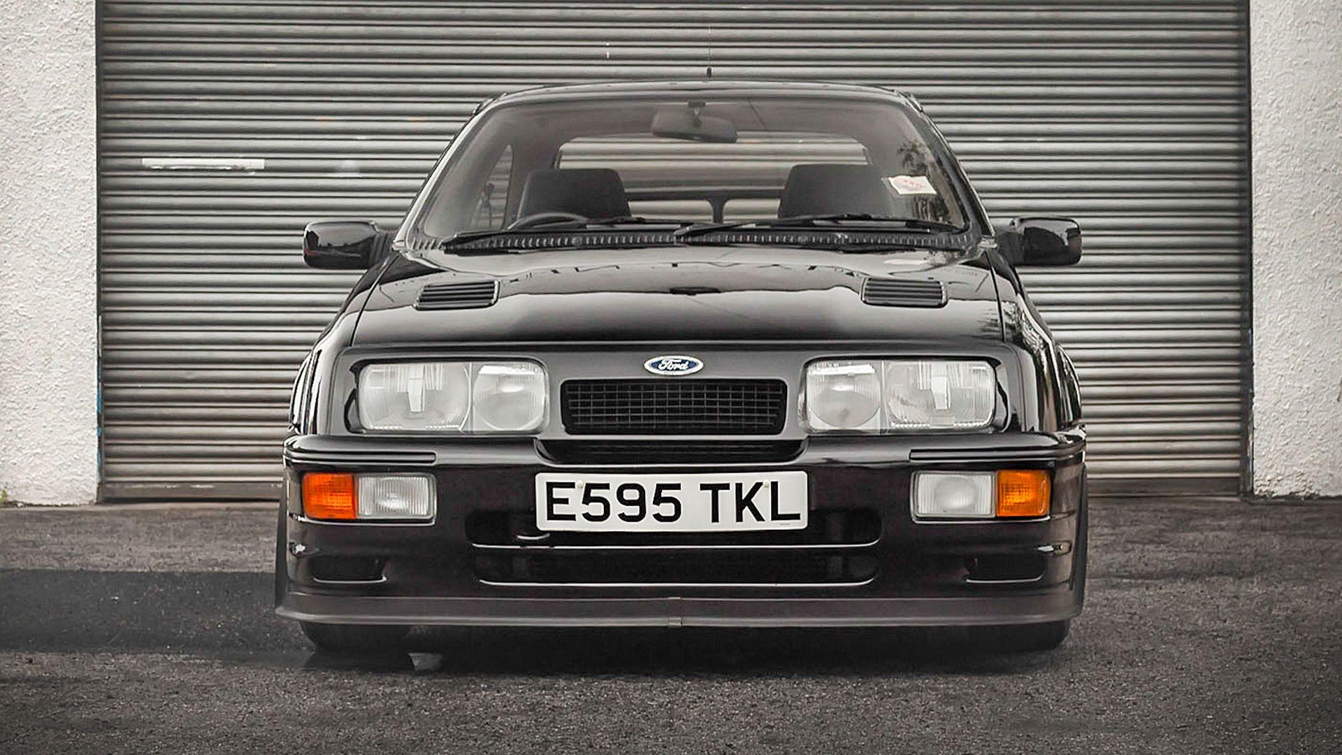 1987_Ford_Sierra_Cosworth_RS500_01