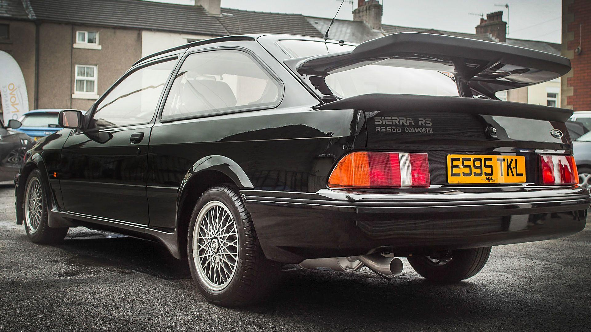1987_Ford_Sierra_Cosworth_RS500_06