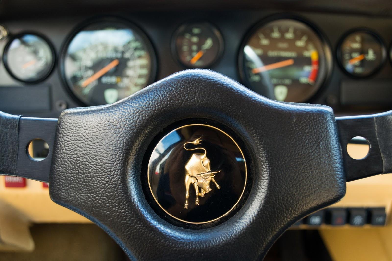 1987_Lamborghini_Countach_5000_QV_auction_09