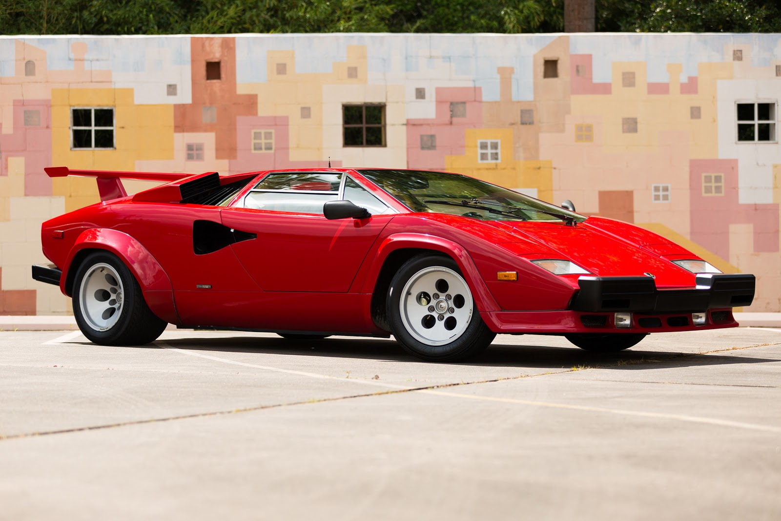 1987_Lamborghini_Countach_5000_QV_auction_58