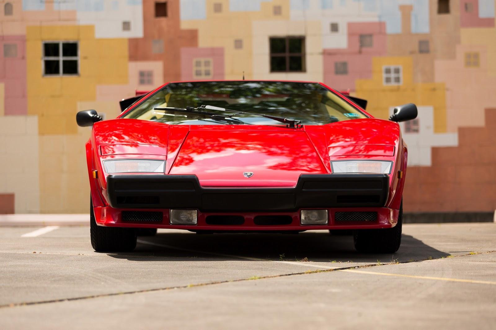 1987_Lamborghini_Countach_5000_QV_auction_59