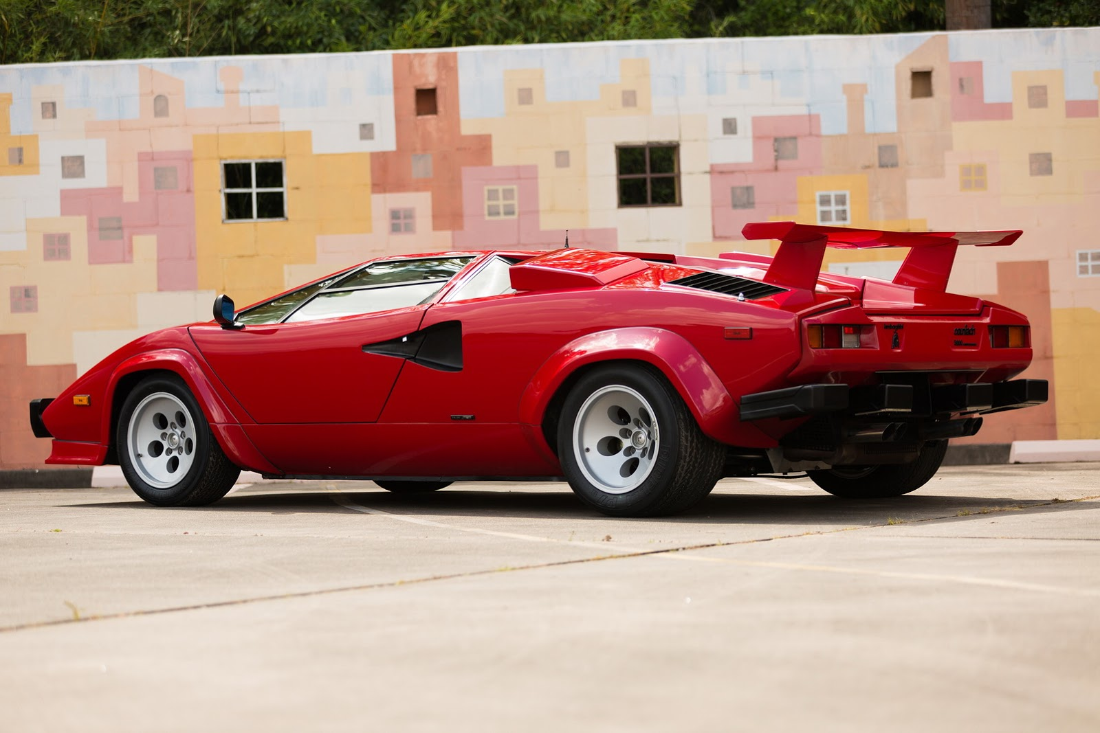 1987_Lamborghini_Countach_5000_QV_auction_74