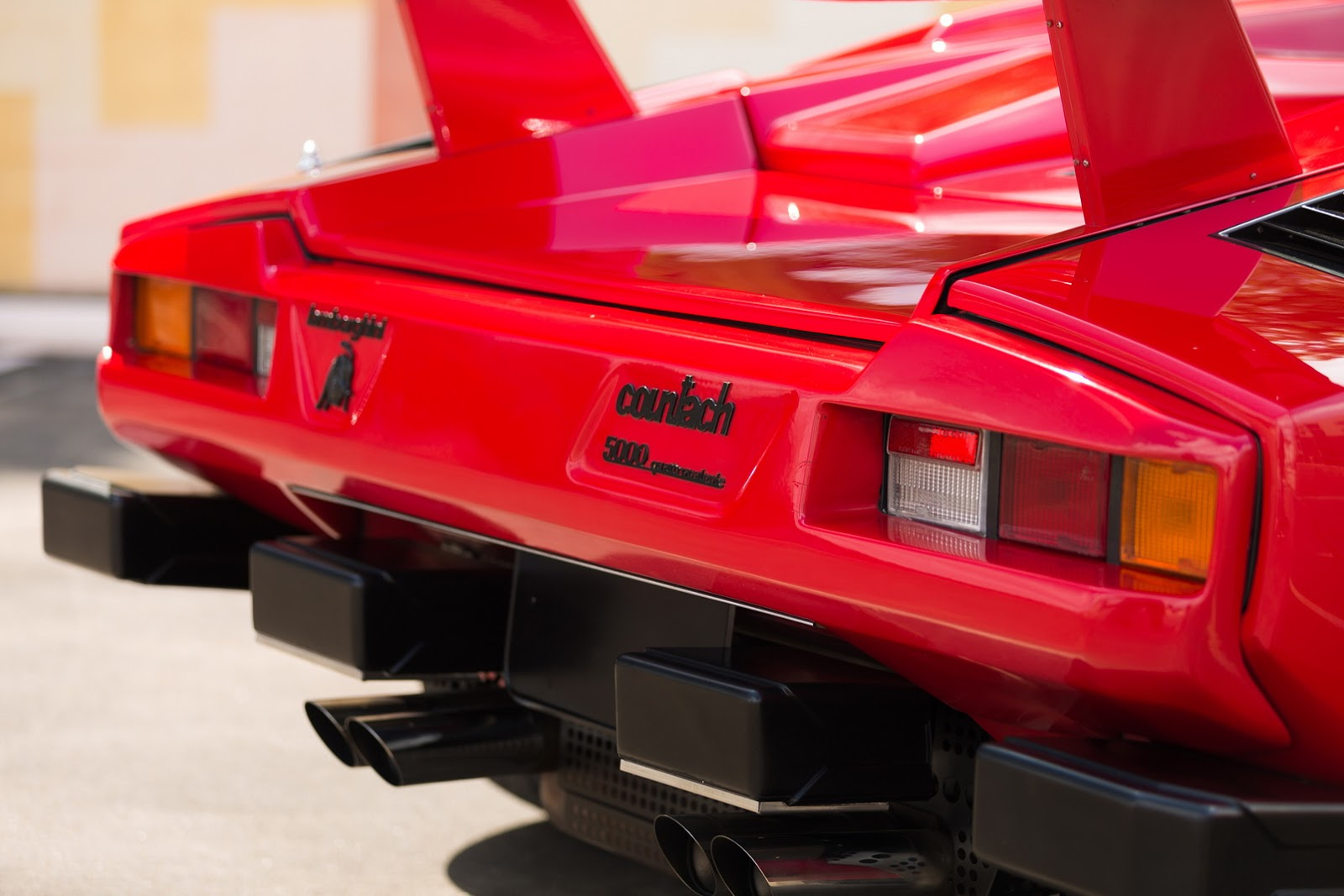 1987_Lamborghini_Countach_5000_QV_auction_78