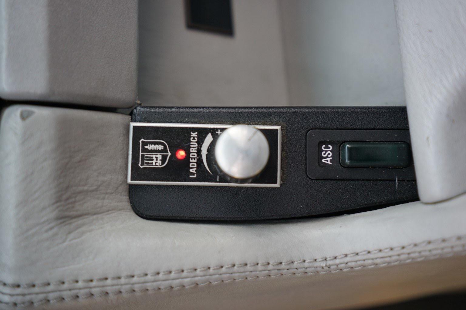 1990_B10_Bi-Turbo_40