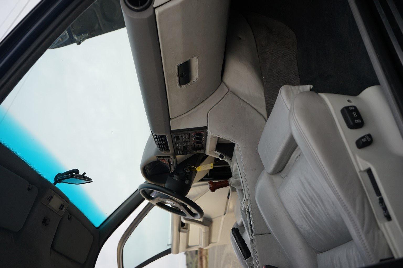1990_B10_Bi-Turbo_50