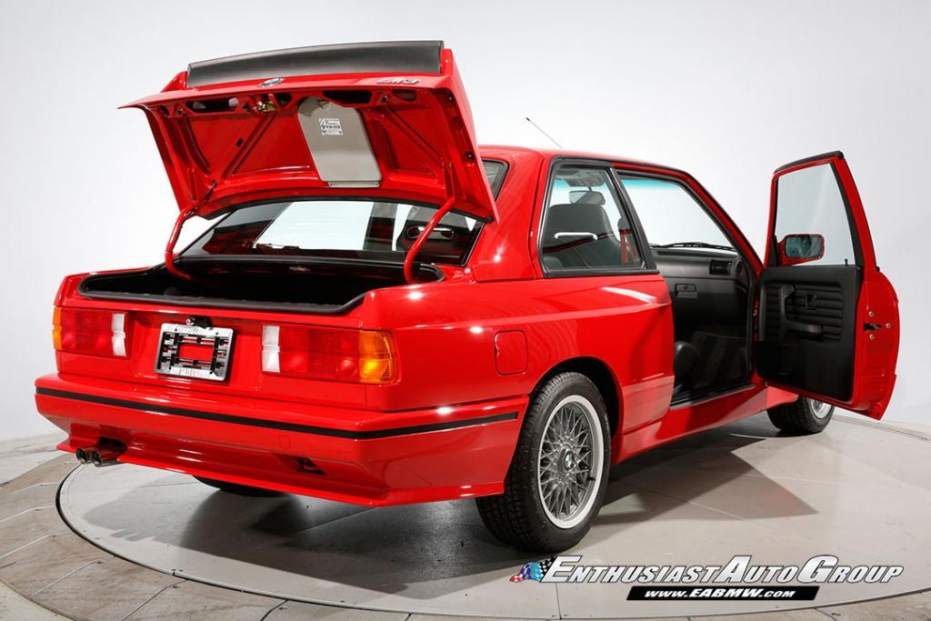 1990_BMW_M3_E30_Εvo_III_102