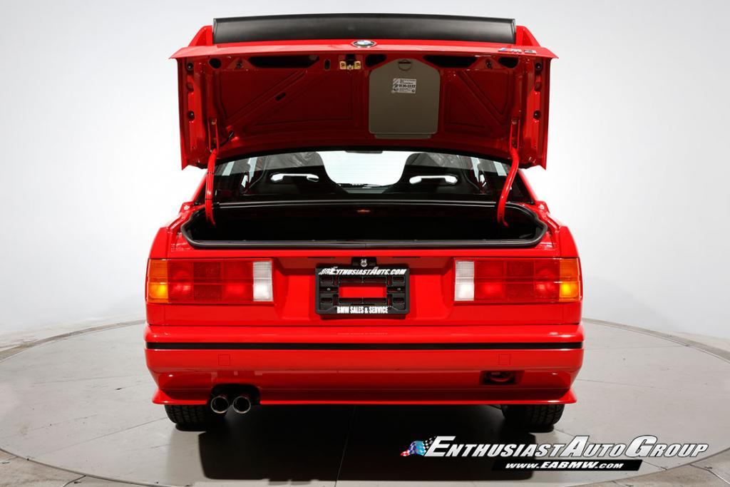 1990_BMW_M3_E30_Εvo_III_42