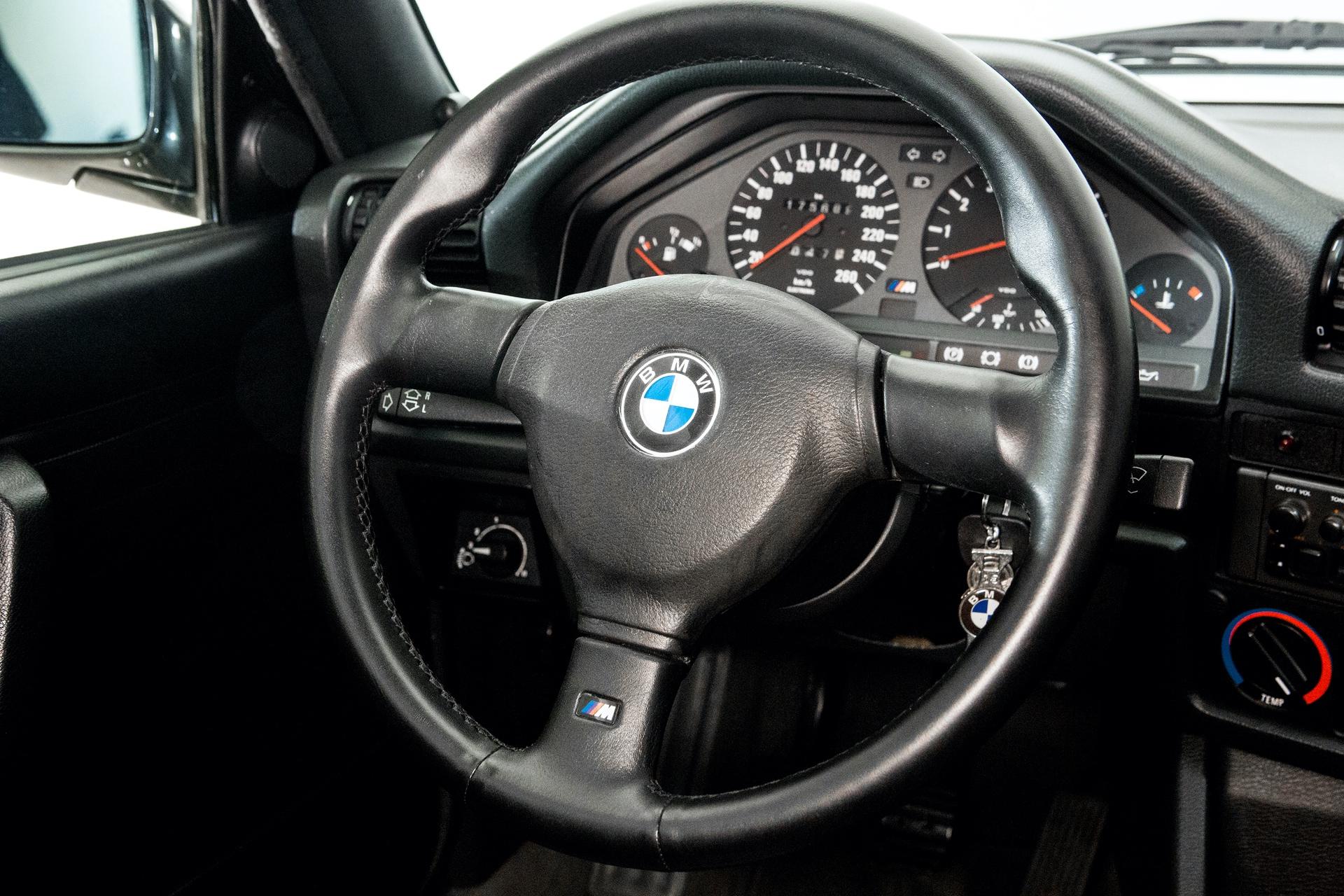 BMW_M3_E30_0025