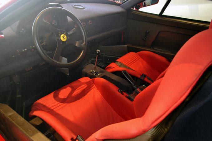 1990_Ferrari_F40_11