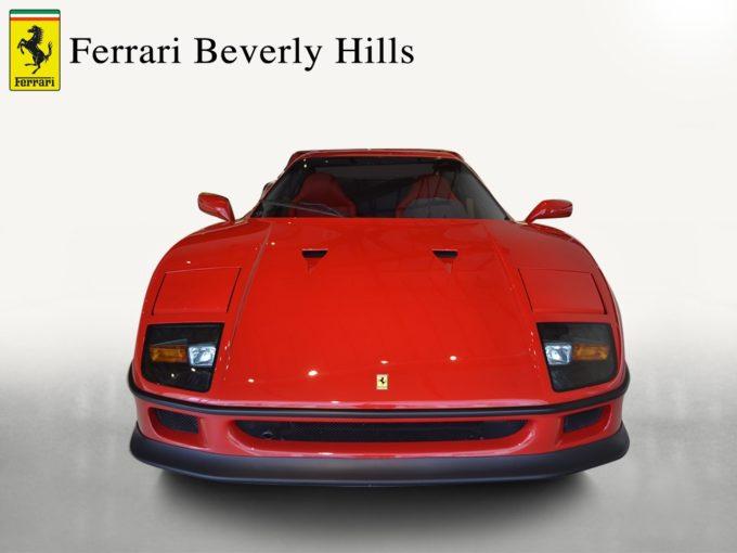 1990_Ferrari_F40_12