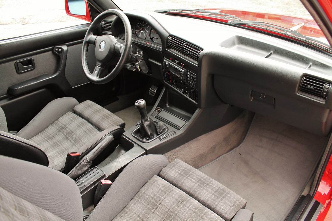 1991_BMW_M3_E30_08