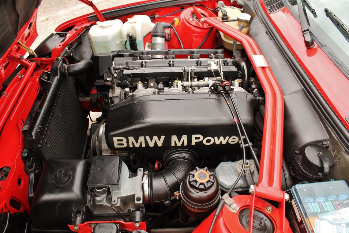 1991_BMW_M3_E30_13
