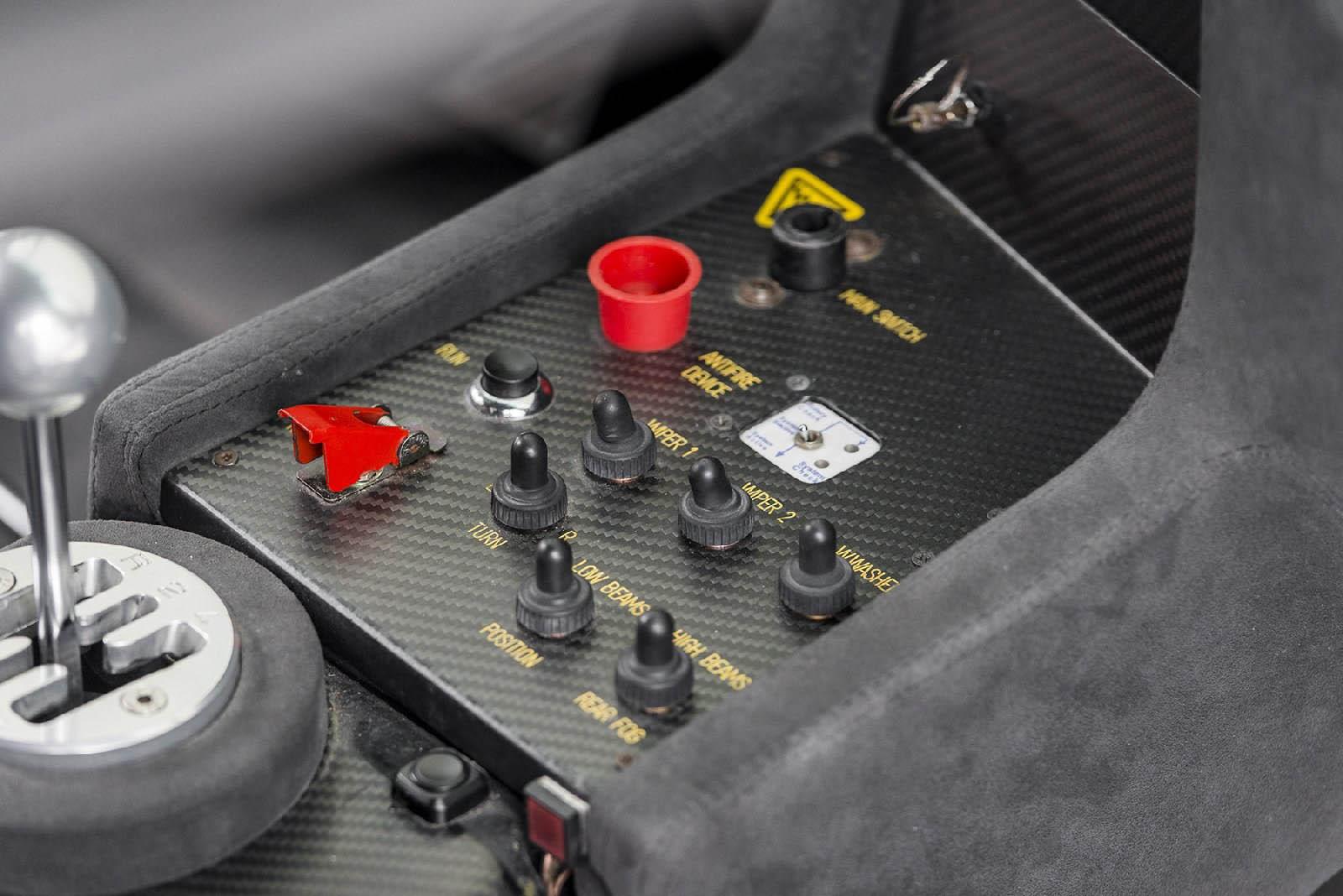 2000_Lamborghini_Diablo_GTR_03