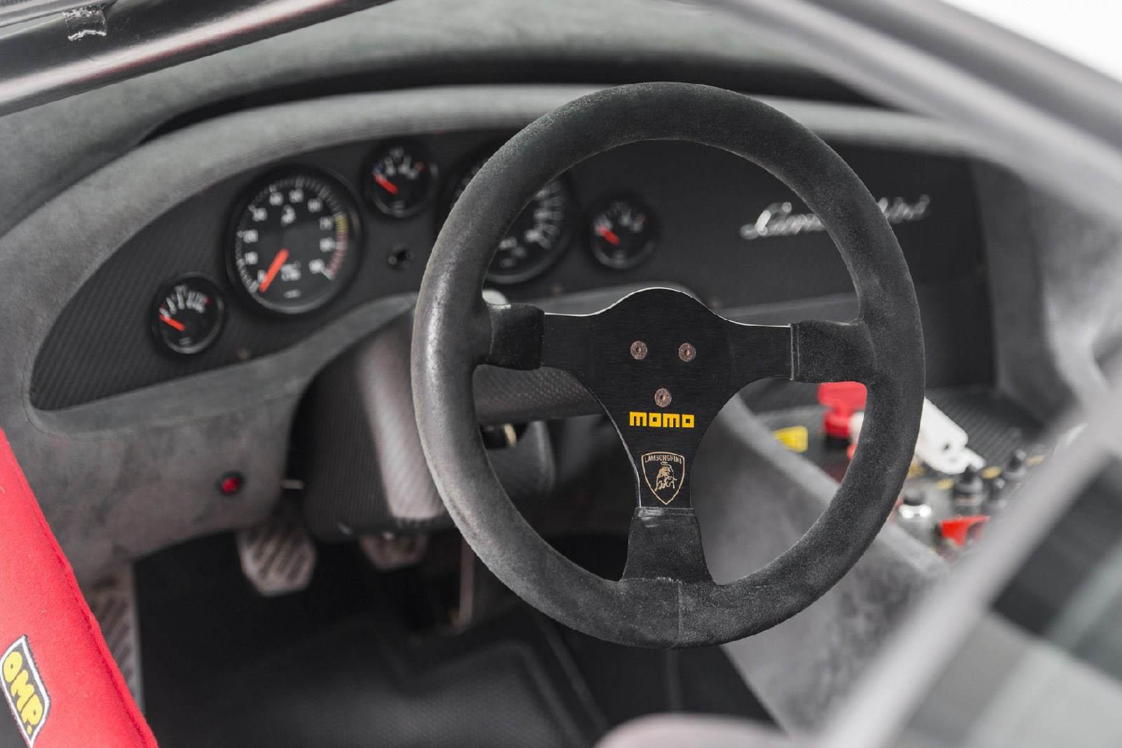 2000_Lamborghini_Diablo_GTR_04