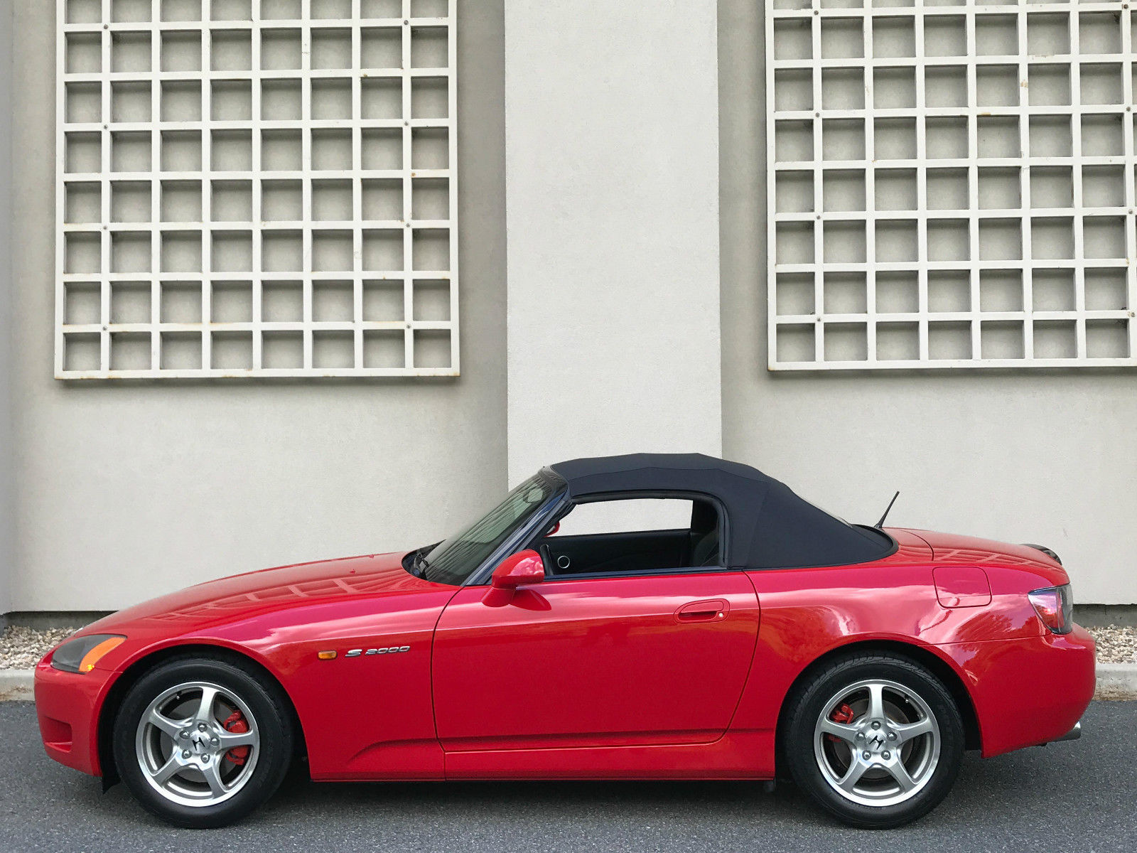 2002_Honda_S2000_for_sale_04
