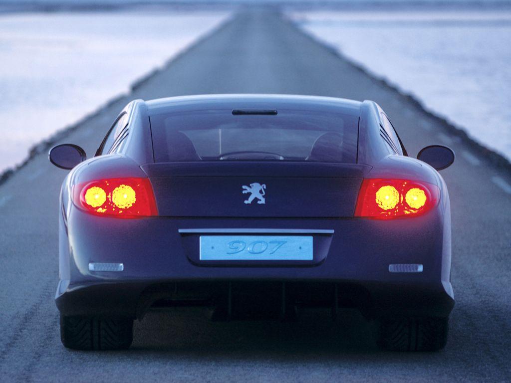 Peugeot-907-concept-2004-05
