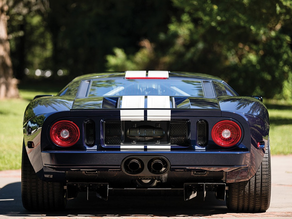 2006_Ford_GT_11