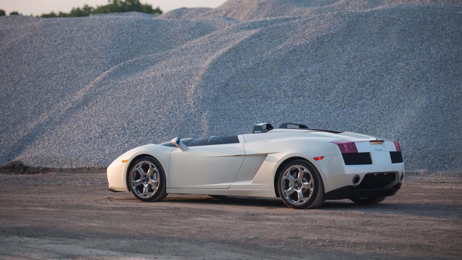 2006_Lamborghini_Concept_S_01