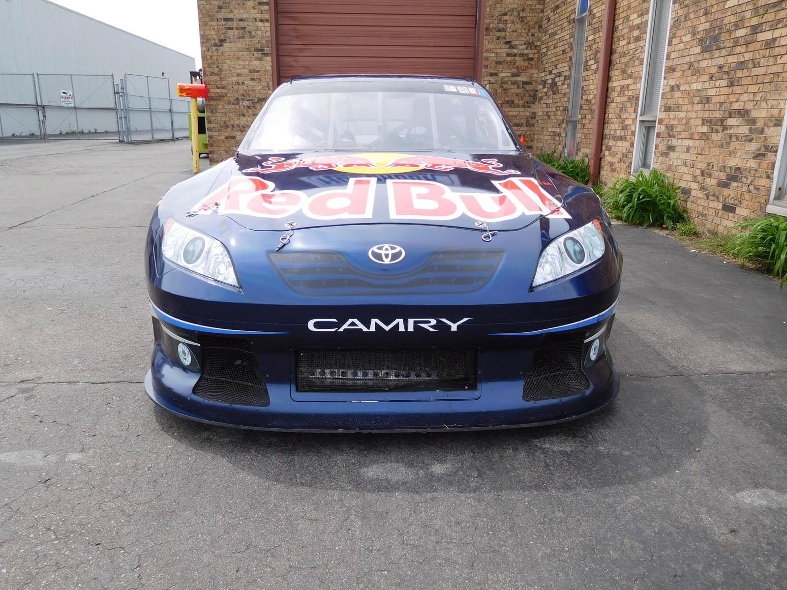 2008_Toyota_Camry_Nascar_19