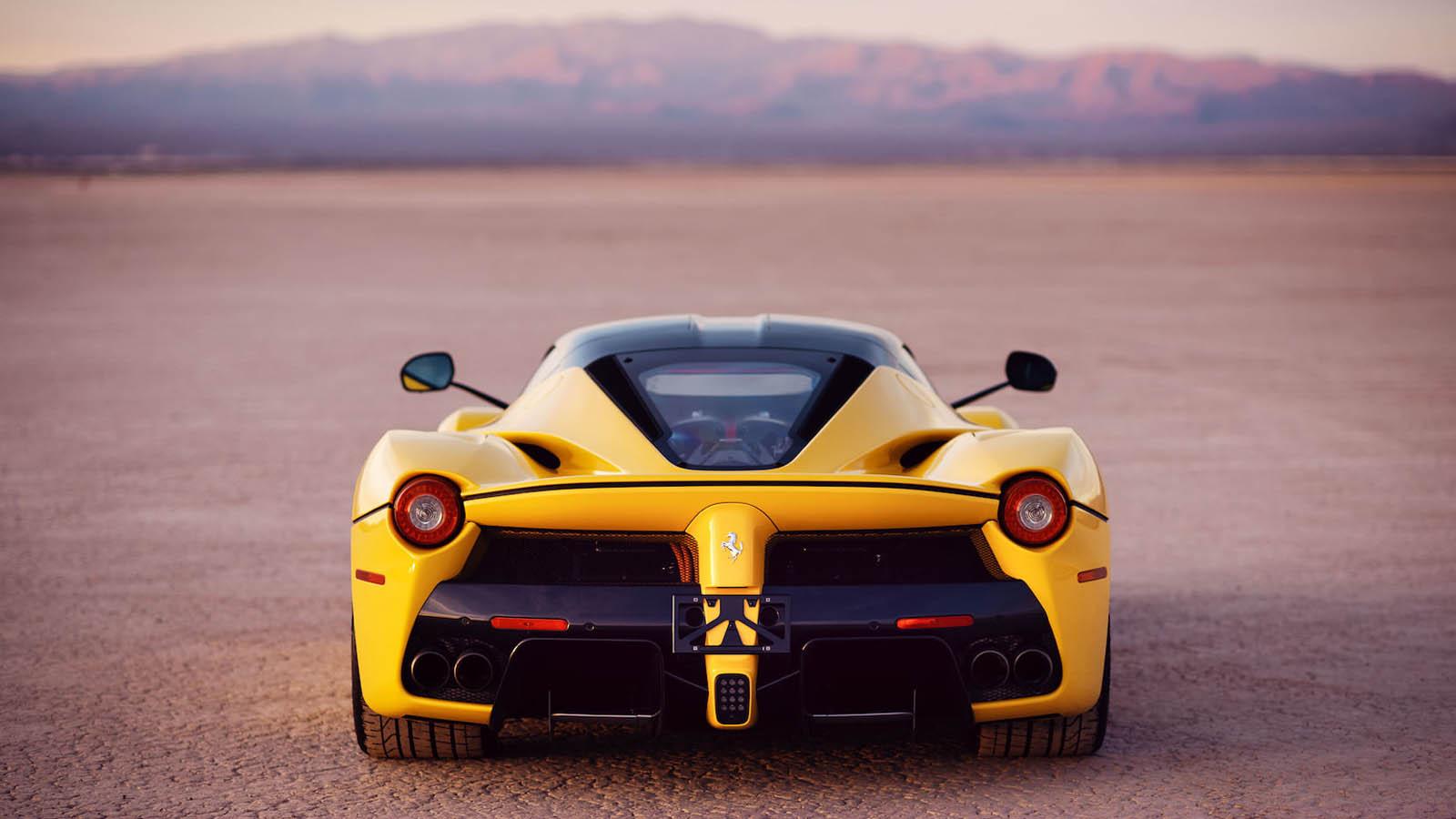2015_Ferrari_LaFerrari_auction_0016