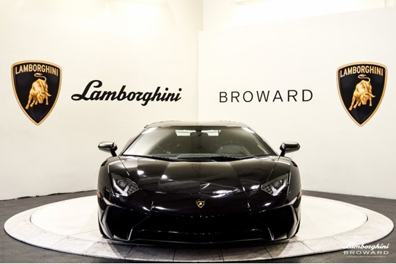 2016_Lamborghini_Aventador_SV_Roadster_05
