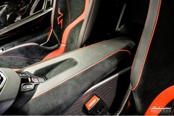 2016_Lamborghini_Aventador_SV_Roadster_17
