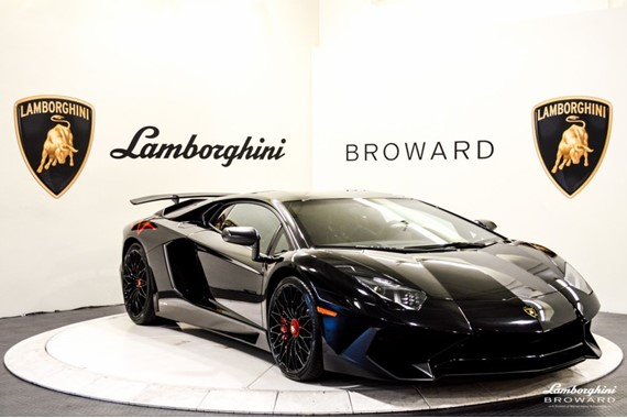 2016_Lamborghini_Aventador_SV_Roadster_27
