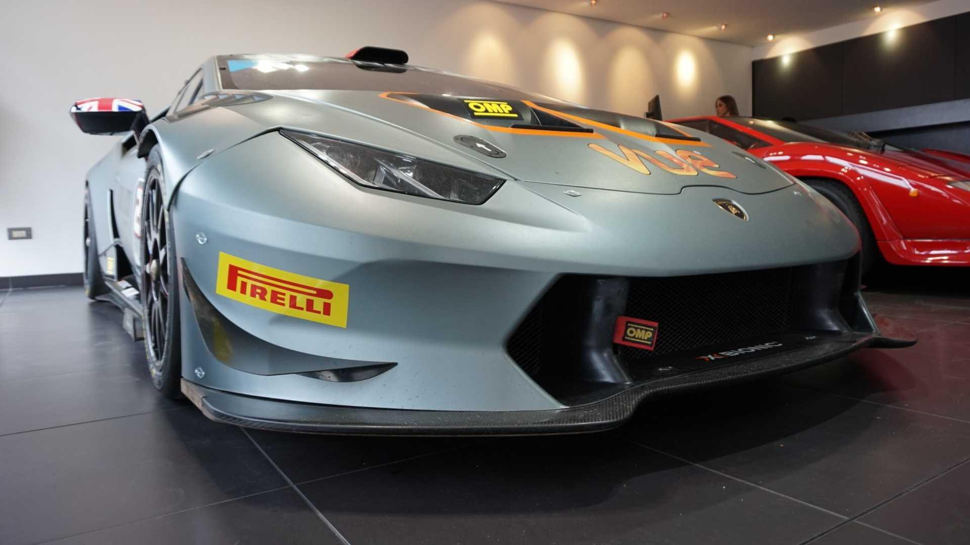 2016_Lamborghini_Huracan_Super_Trofeo_02