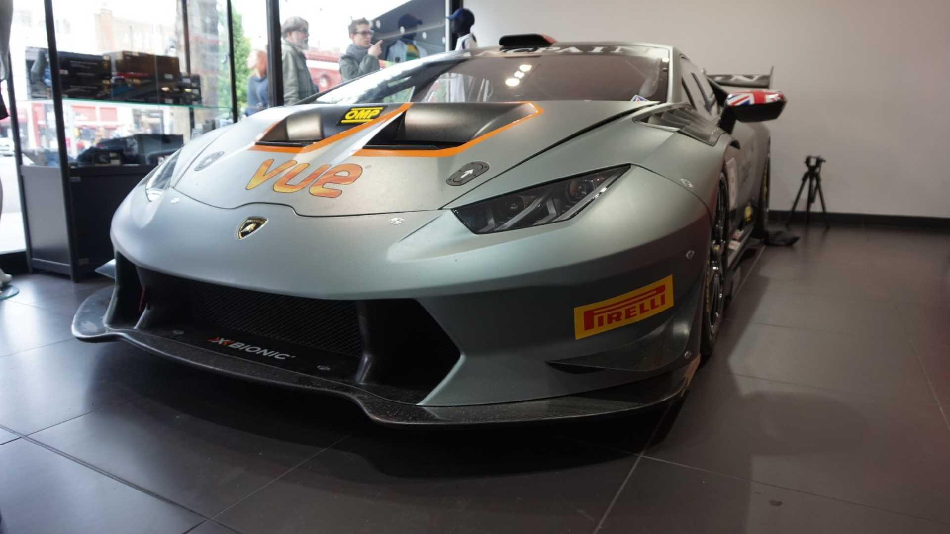 2016_Lamborghini_Huracan_Super_Trofeo_06