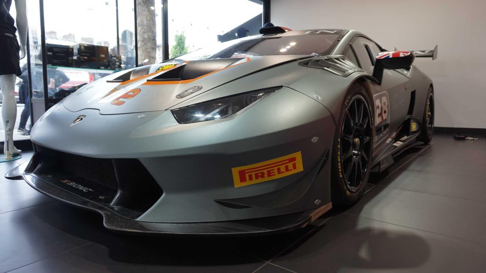 2016_Lamborghini_Huracan_Super_Trofeo_10