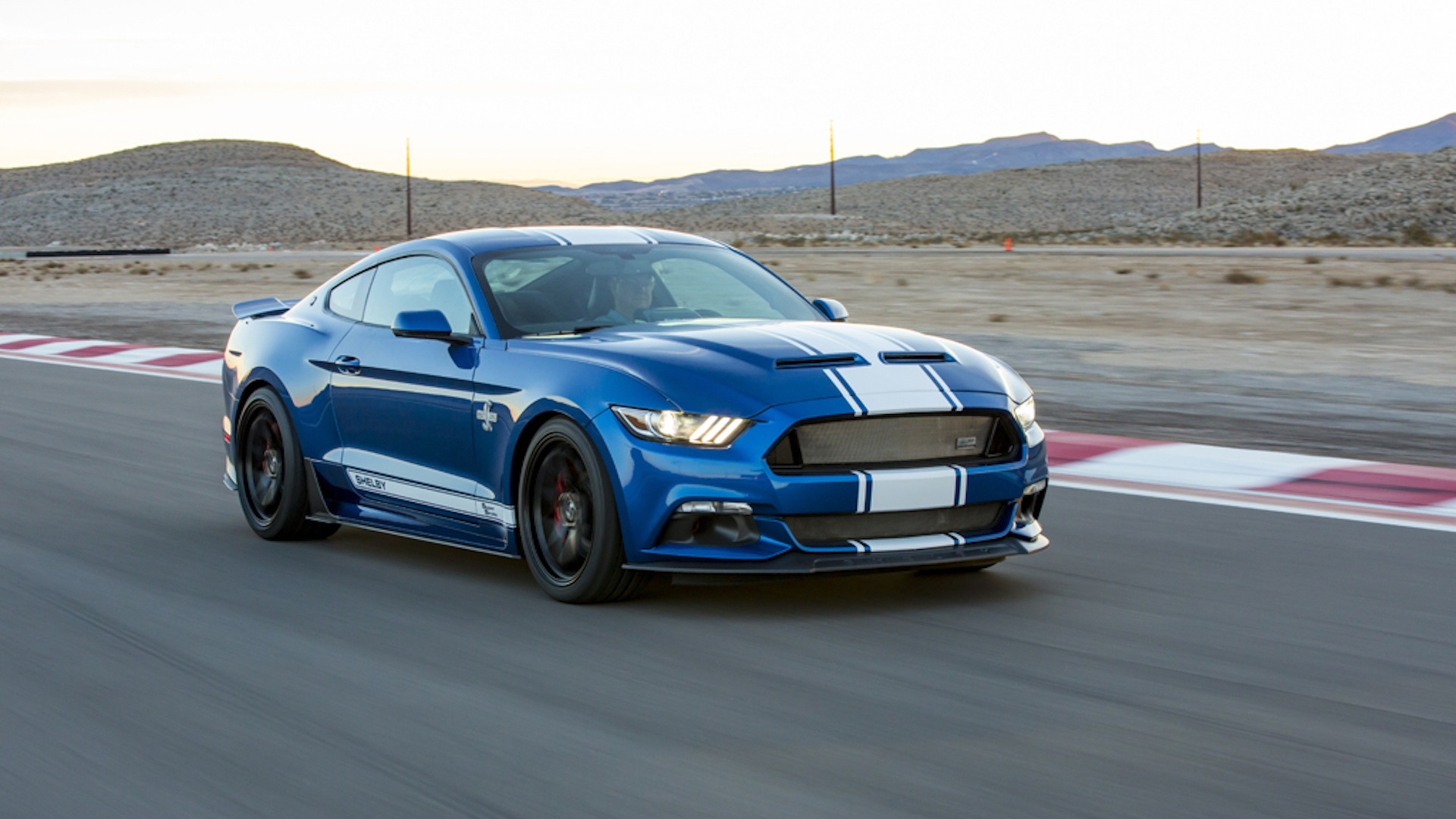 2017_Shelby_Super_Snake_50th_Anniversary_01