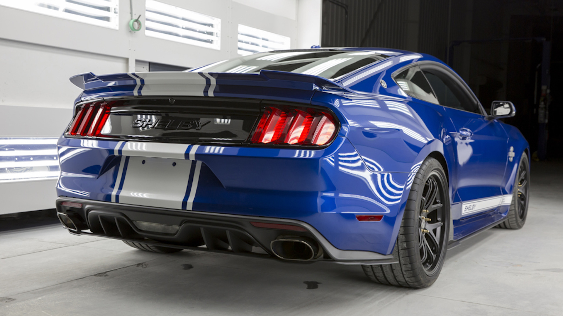 2017_Shelby_Super_Snake_50th_Anniversary_08