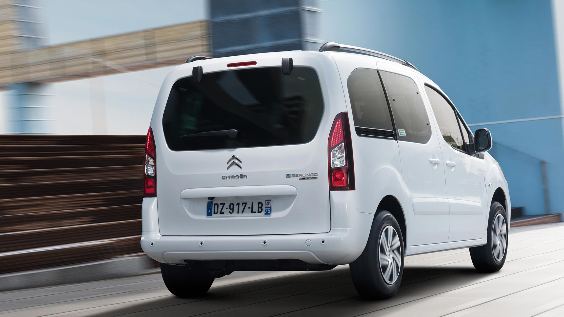 2017_Citroën_E-Berlingo_Multispace_09