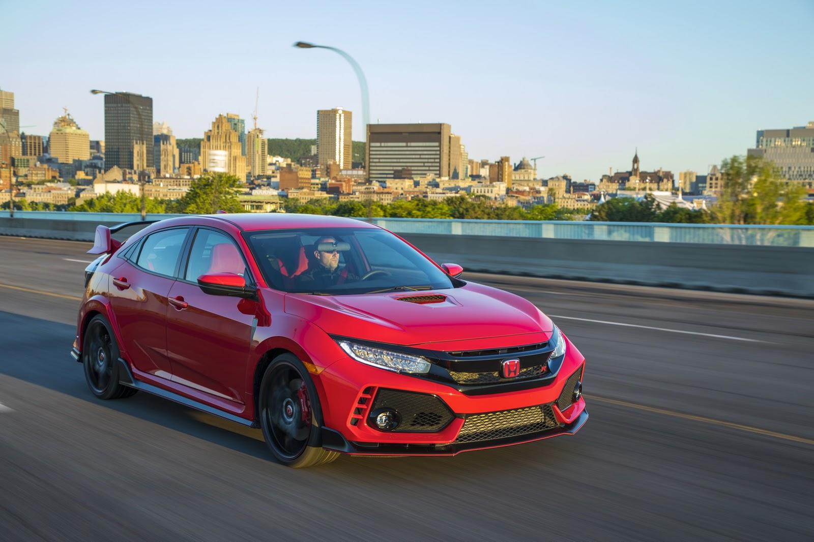 2017_Honda_Civic_Type_R_100