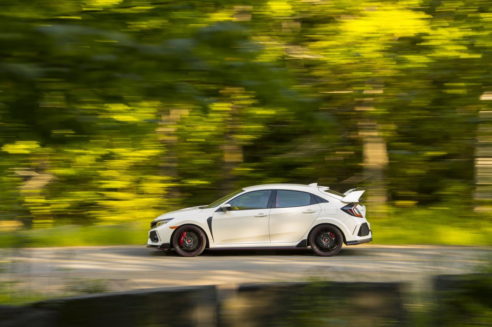 2017_Honda_Civic_Type_R_156