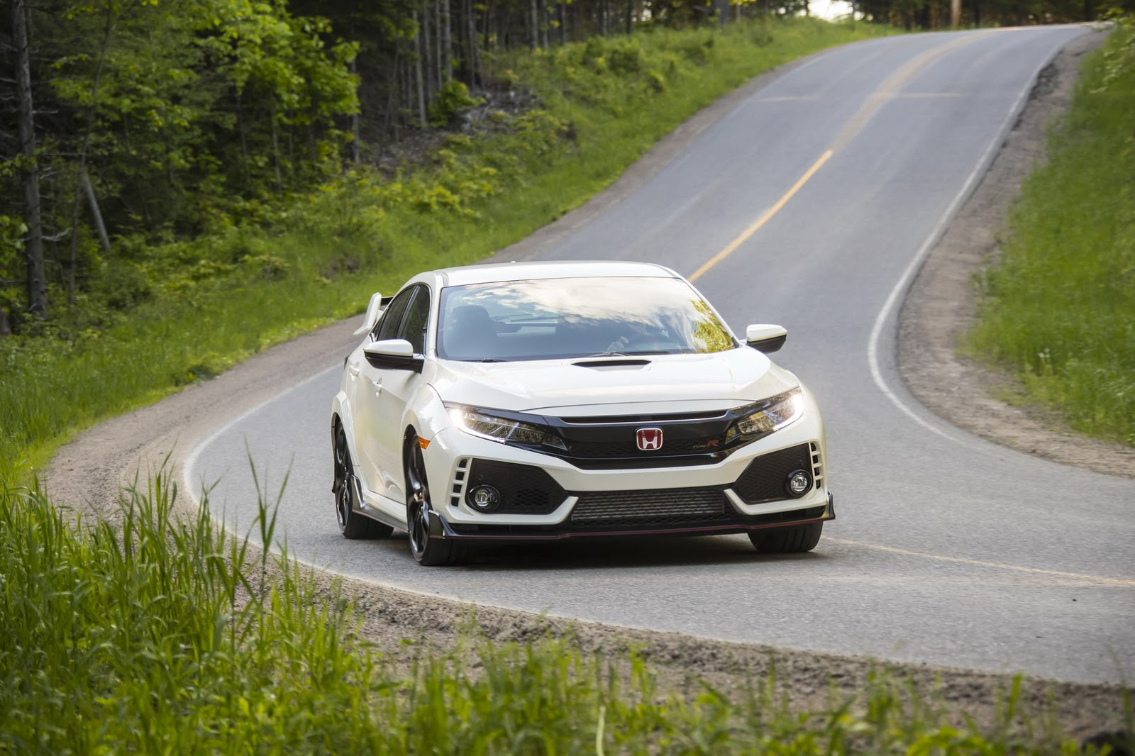 2017_Honda_Civic_Type_R_158