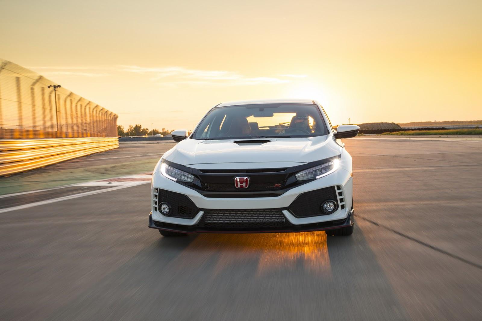 2017_Honda_Civic_Type_R_168