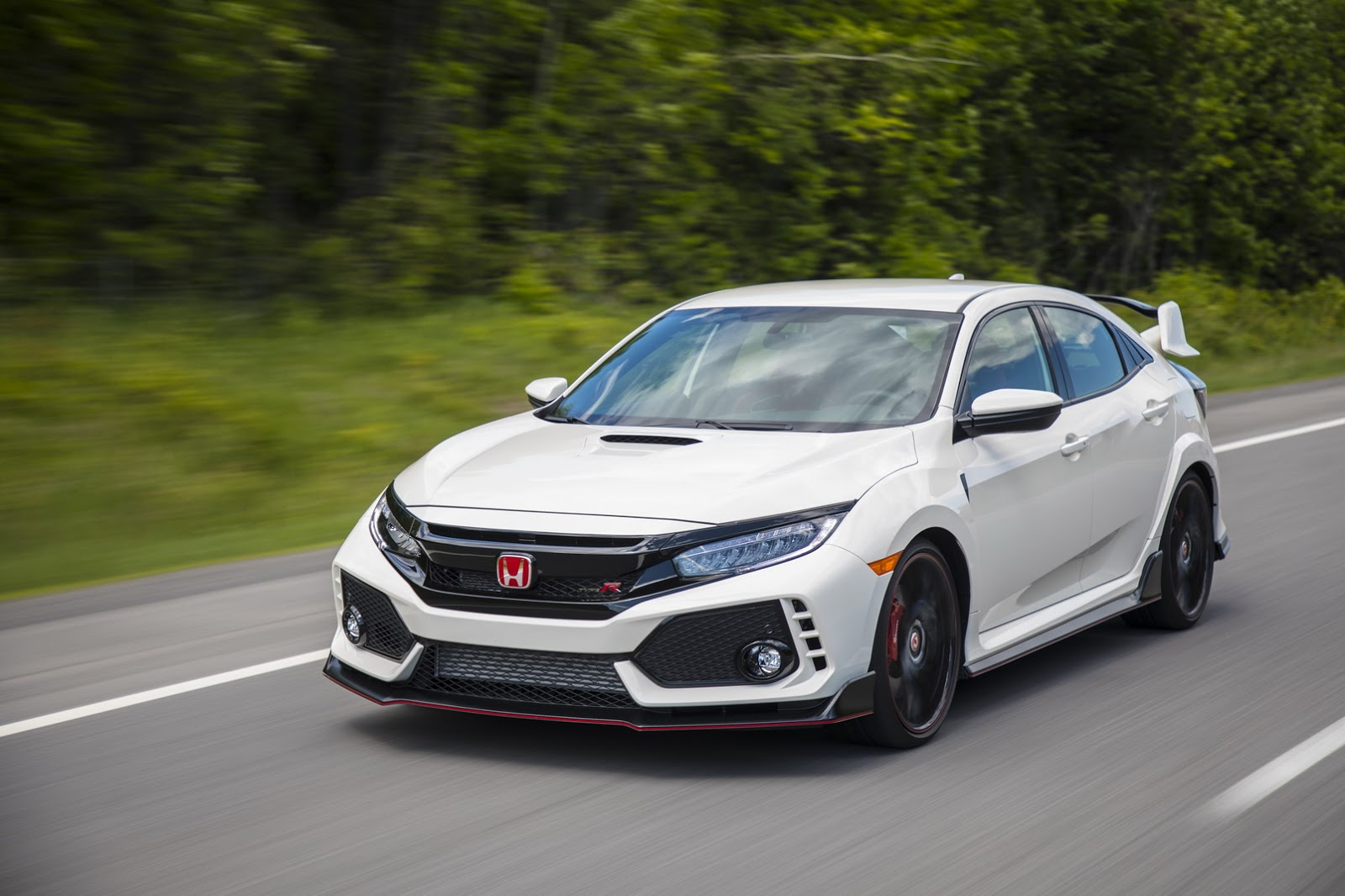 2017_Honda_Civic_Type_R_185