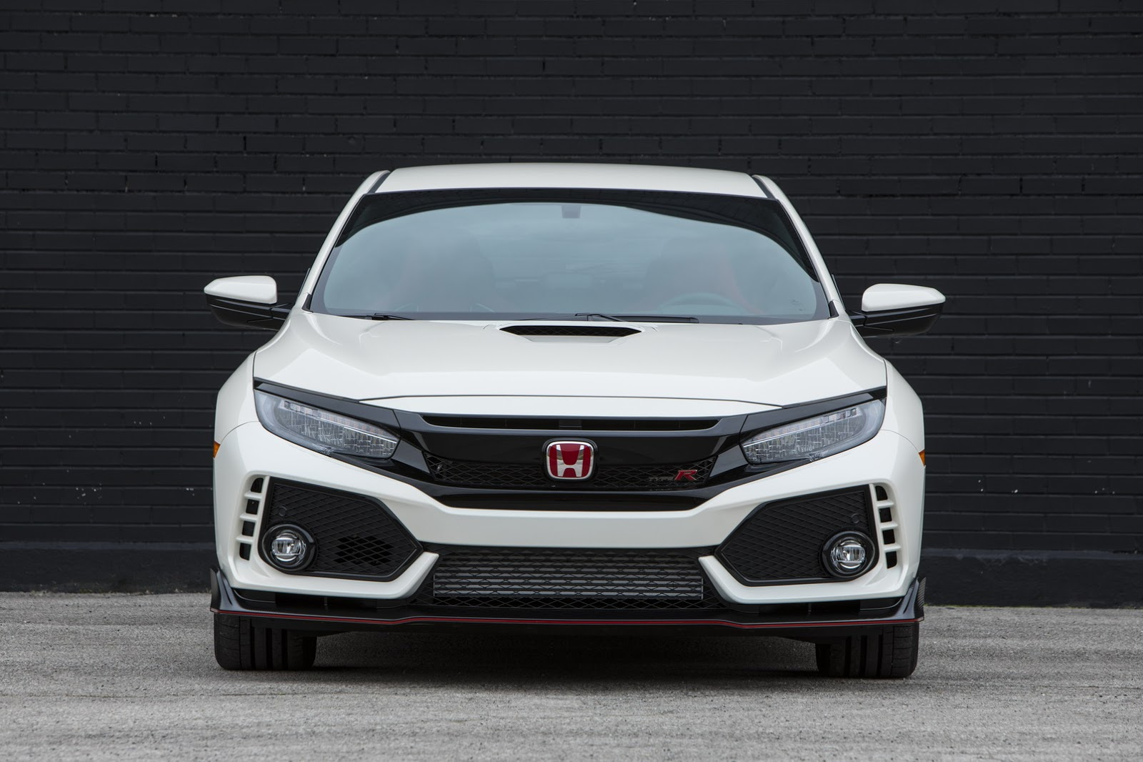 2017_Honda_Civic_Type_R_26
