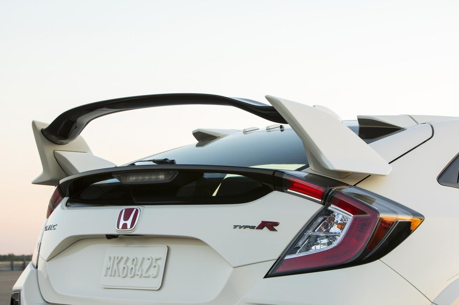 2017_Honda_Civic_Type_R_46