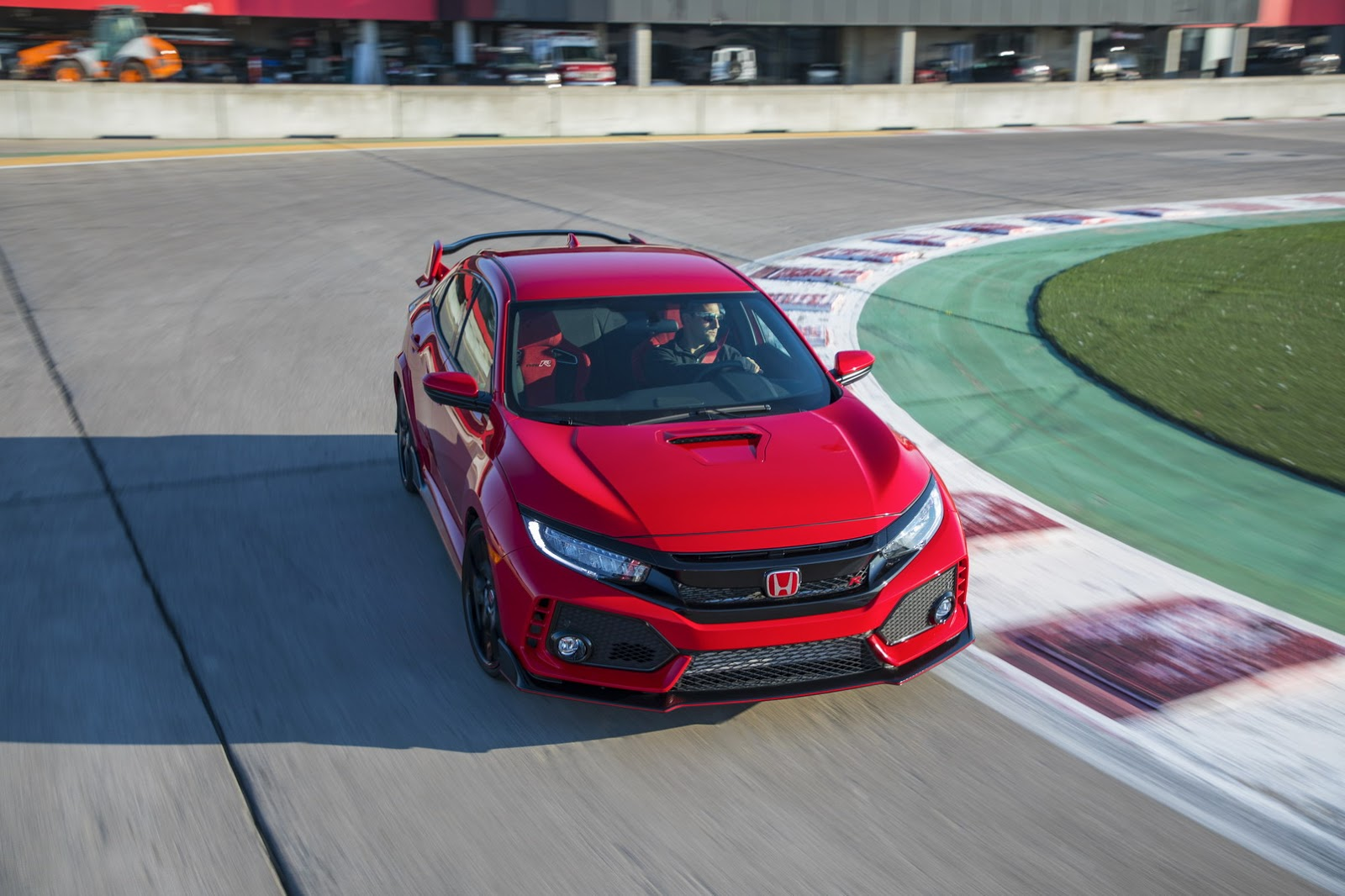 2017_Honda_Civic_Type_R_85