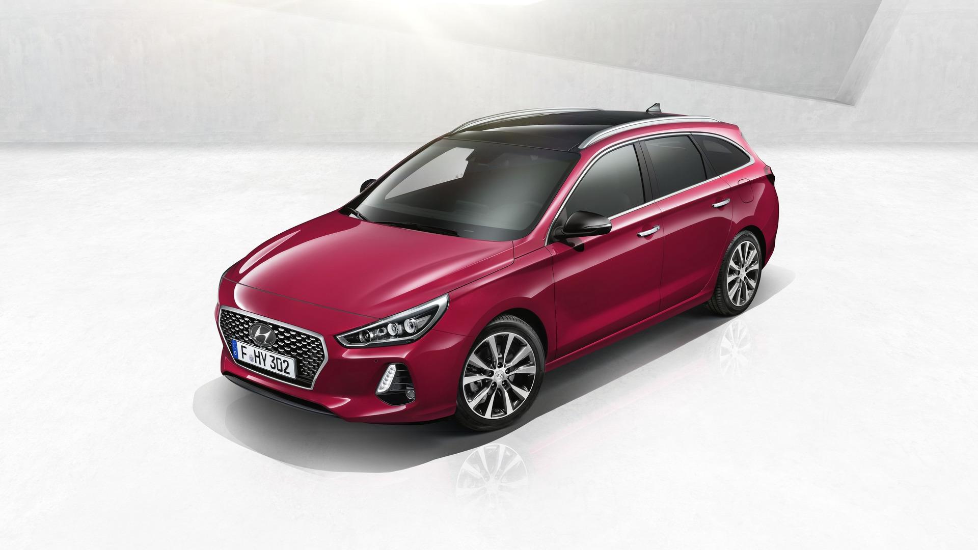 2017_Hyundai_i30_Wagon_04