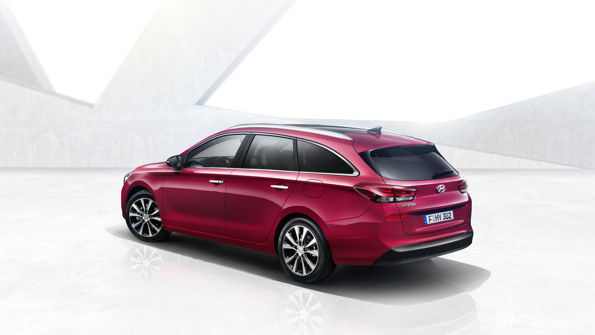 2017_Hyundai_i30_Wagon_06