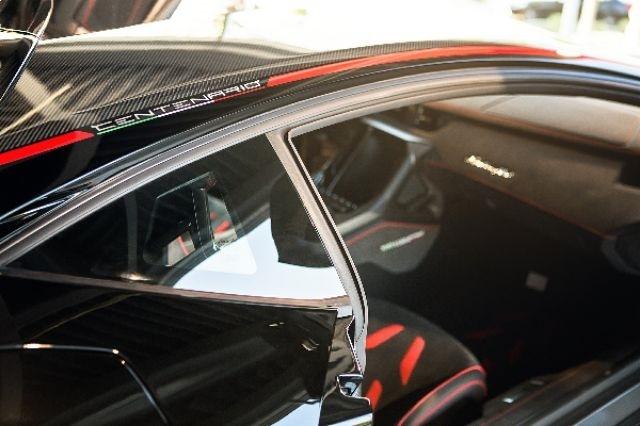 2017_Lamborghini_Centenario_02